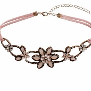 Jewelry - Pretty Pink Flower Choker Necklace